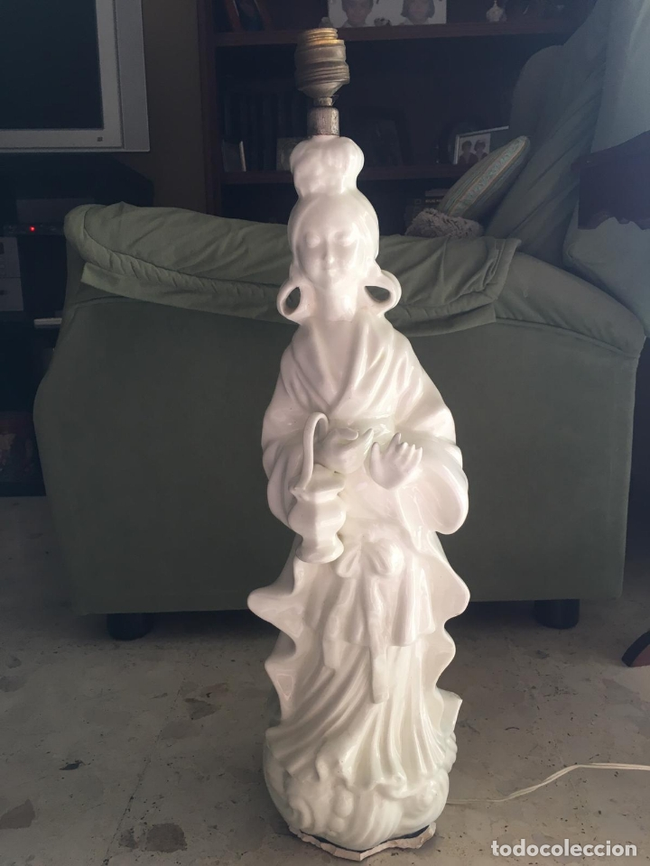 PRECIOSA LAMPARA CERAMICA MANISES MUJER ORIENTAL CHINA - MEDIDA 61 CM (Antigüedades - Porcelanas y Cerámicas - Manises)