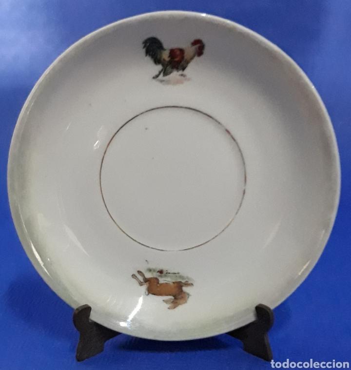 CERAMICA PLATO DECORADO GALLO Y CONEJO (Antigüedades - Porcelanas y Cerámicas - Otras)