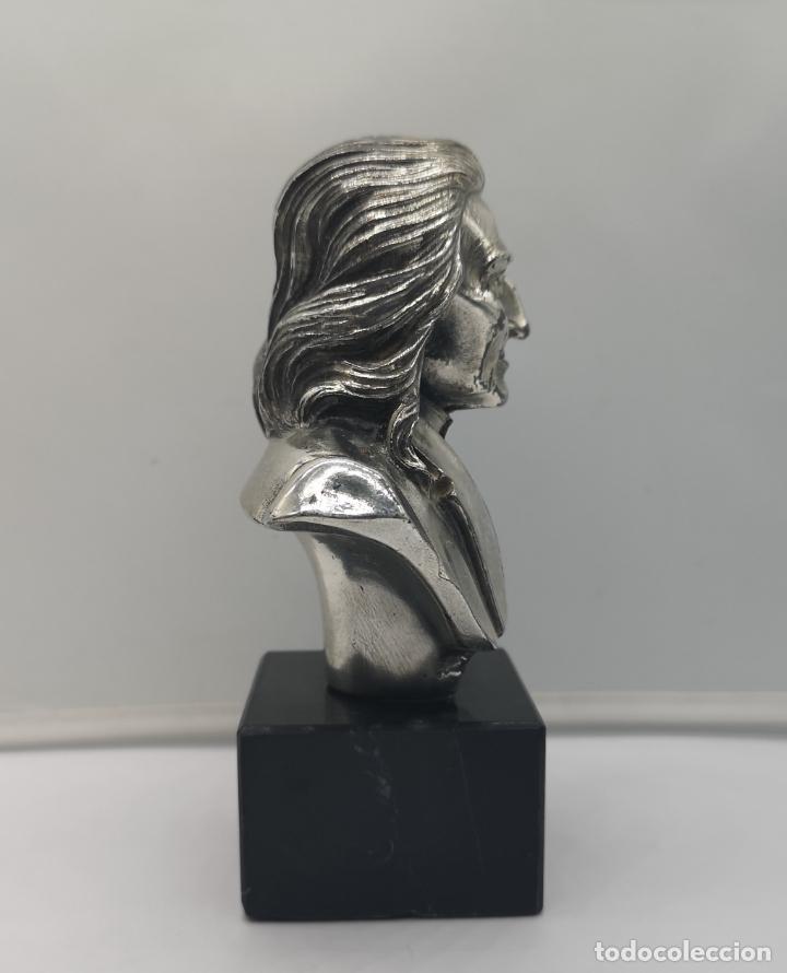 Antigüedades: Busto antiguo del compositor Franz Liszt laminado en plata de ley sobre peana de mármol . - Foto 4 - 169227888