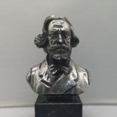 Antigüedades: BUSTO ANTIGUO DE GIUSEPPE VERDI LAMINADO EN PLATA DE LEY SOBRE PEANA DE MÁRMOL .. Lote 169230064