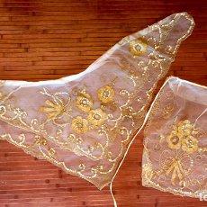 Antigüedades: INDUMENTARIA VALENCIANA AÑOS 70. INDUMENTARIA VALENCIANA. FALLERA. CONJUNTO MANTELETA Y DELANTAL. Lote 169231938