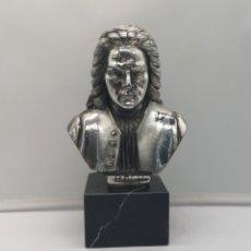 Antigüedades: BUSTO ANTIGUO DE JOHANN SEBASTIAN BACH LAMINADO EN PLATA DE LEY SOBRE PEANA DE MÁRMOL .. Lote 169233160