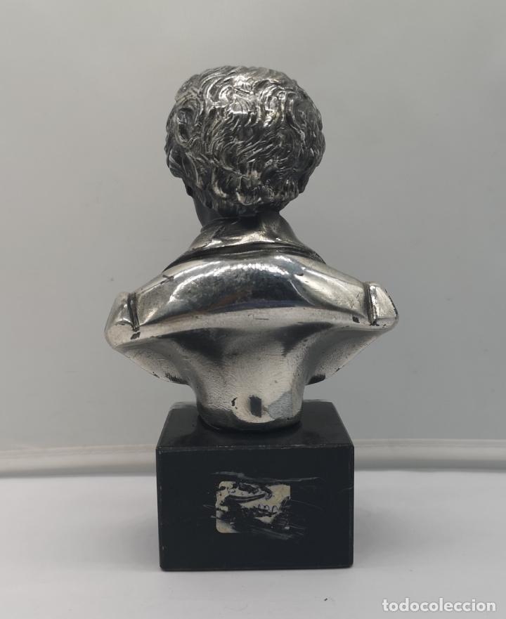 Antigüedades: Busto antiguo de Franz Schubert laminado en plata de ley sobre peana de mármol . - Foto 3 - 169235208
