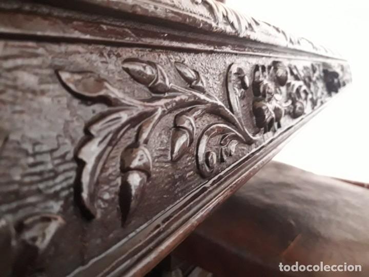 Antigüedades: MESA ISABELINA DE CAOBA TALLADA Y 6 SILLAS. (1850-1860) - Foto 8 - 146460126