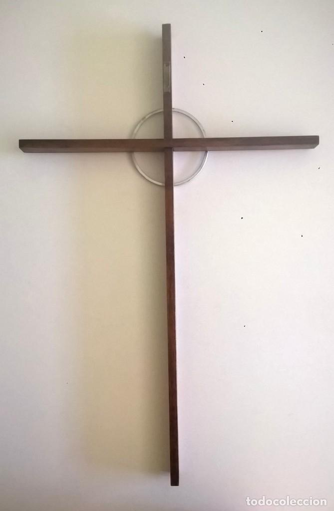 Antigüedades: ANTIGUA CRUZ DE PARED - MADERA Y METAL - Foto 9 - 169244968