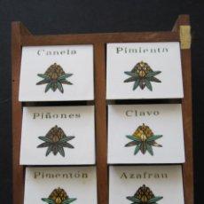 Antigüedades: ESPECIERO MADERA Y PLASTICO MEDIDAS: 15,5 X 19 X 8 CM. Lote 169262433