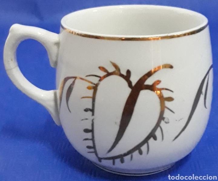 CERAMICA TAZA DECORADA ORO (Antigüedades - Porcelanas y Cerámicas - Otras)