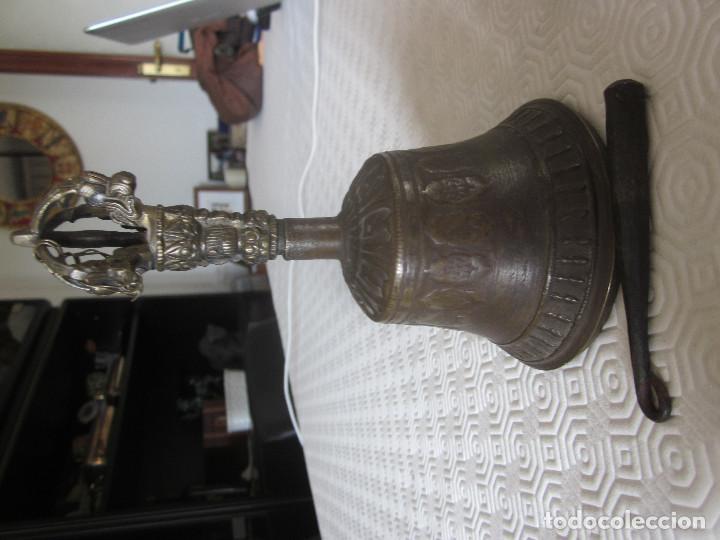 Antigüedades: ANTIGUA CAMPANA DE BRONCE CON GRABADOS - Foto 4 - 169315268