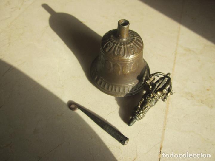 Antigüedades: ANTIGUA CAMPANA DE BRONCE CON GRABADOS - Foto 8 - 169315268