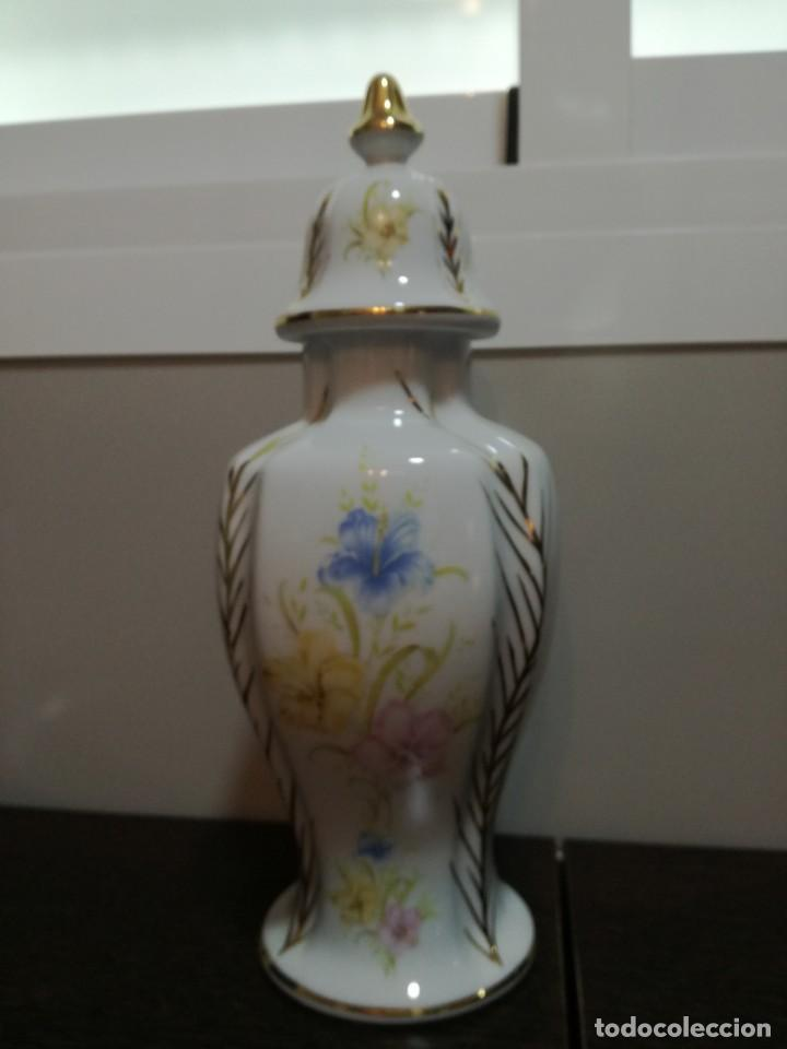 Antigüedades: Búcaro de porcelana fina 33 cm. - Foto 2 - 169330812