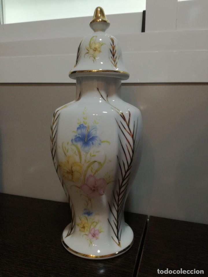 Antigüedades: Búcaro de porcelana fina 33 cm. - Foto 3 - 169330812