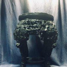 Antiquités: VELADOR BASE JARRON FILIPINAS MADERA DURA TALLADA CALADA ALABASTRO RAMA HOJAS ARBOL FIN S XIX 46X36C. Lote 169333160