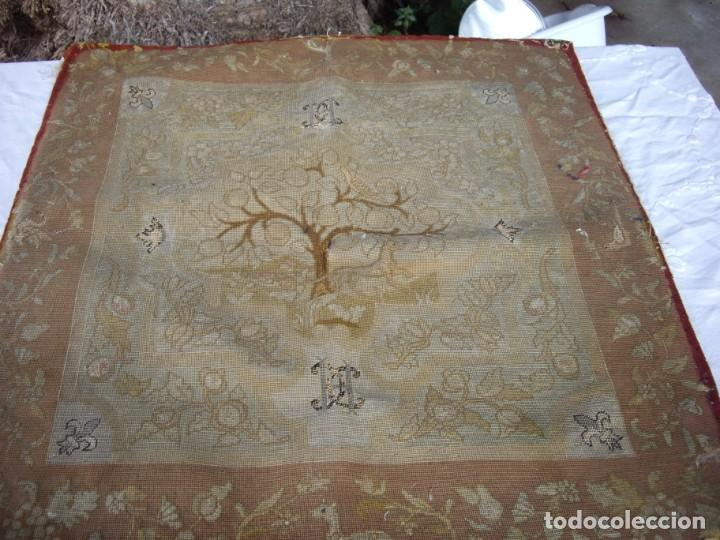 TAPIZ SIGLO XVIII HECHO A MANO (Antigüedades - Hogar y Decoración - Tapices Antiguos)