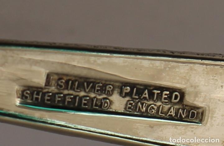 Antigüedades: tenedor de servicio con plata de ley punzonada - Foto 6 - 169367861