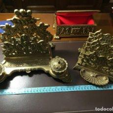 Antigüedades: JUEGO COMPLETO DE Y MÁS ESCIBANIA EN LATON/BRONCE COPIA ORIGINAL. Lote 169395236