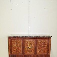 Antigüedades: CÓMODA LUIS XIV CON MARQUETERÍA. Lote 169435360