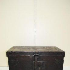 Antigüedades: CAJA ANTIGUA, COFRE, ARCA DE MADERA SIGLO XVIII. Lote 169435508