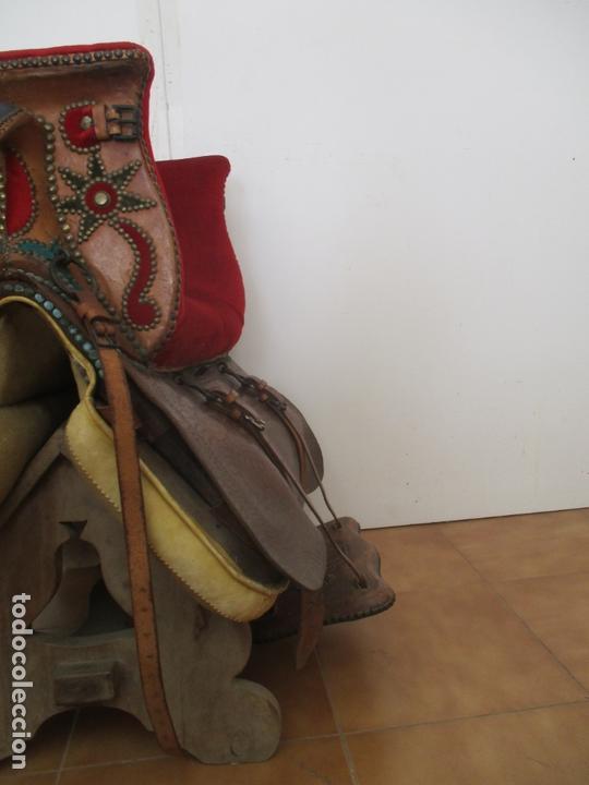 Antigüedades: Preciosa Silla de Montar - de Señora, Novia - S. XVIII - Perfecta - Pieza de colección, Museo - Foto 15 - 169445740