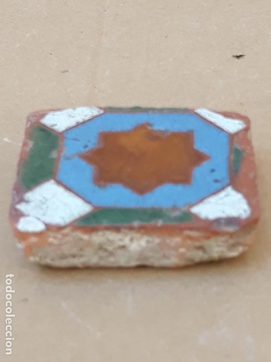 Antigüedades: AZULEJO ANTIGUO DE TOLEDO / SEVILLA- OLAMBRILLA - ARISTA - ARABE / MUDEJAR - SIGLO XV-XVI. - Foto 3 - 169451604