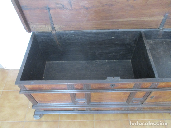 Antigüedades: Antigua Caja de Novia, Baúl, Arcón Catalán - Madera de Nogal y Marquetería - S. XVIII - Foto 15 - 169475608