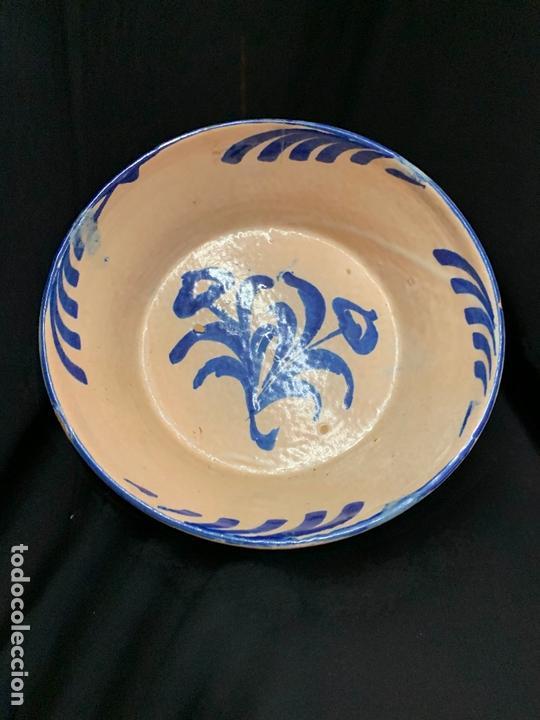 Antigüedades: Precioso bol en terracota pintado a mano. mide 21cms de diametro x7 alto - Foto 2 - 169584036