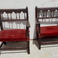 Antigüedades: PAREJA DE SILLONES FRAILEROS ANTIGUOS DE MADERA DE MORERA . Lote 169588432