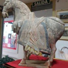 Antigüedades: CABALLO DE TERRACOTA CHINO ANTIGUO. Lote 169596189