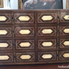 Antigüedades: EXTRAORDINARIO BARGUEÑO ORIGINAL, DECORACION GEOMETRICA. Lote 169608612