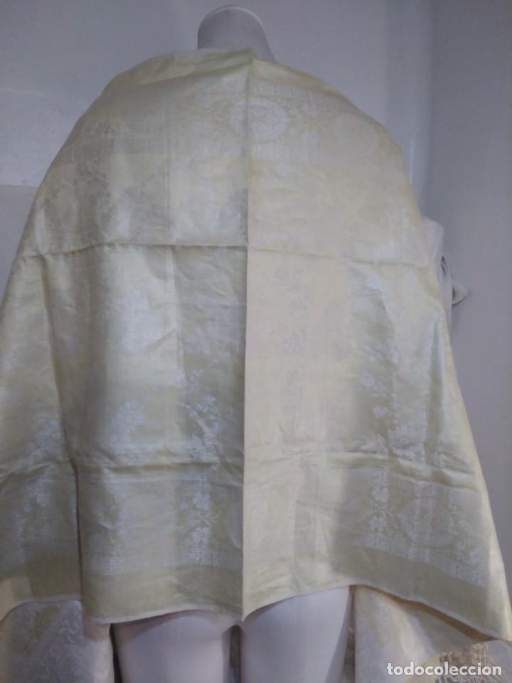 Antigüedades: CHAL PAÑUELO DE LINO O HILO CON SEDA ADAMASCADO Y TRABAJADO FLECO, INDUMENTARIA - Foto 4 - 169616520