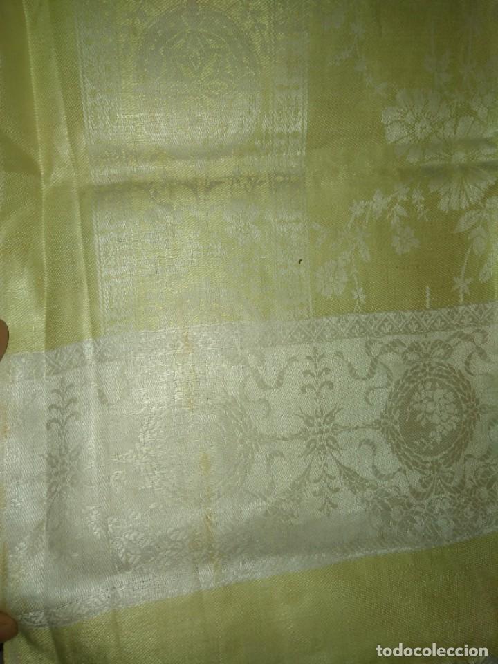 Antigüedades: CHAL PAÑUELO DE LINO O HILO CON SEDA ADAMASCADO Y TRABAJADO FLECO, INDUMENTARIA - Foto 8 - 169616520