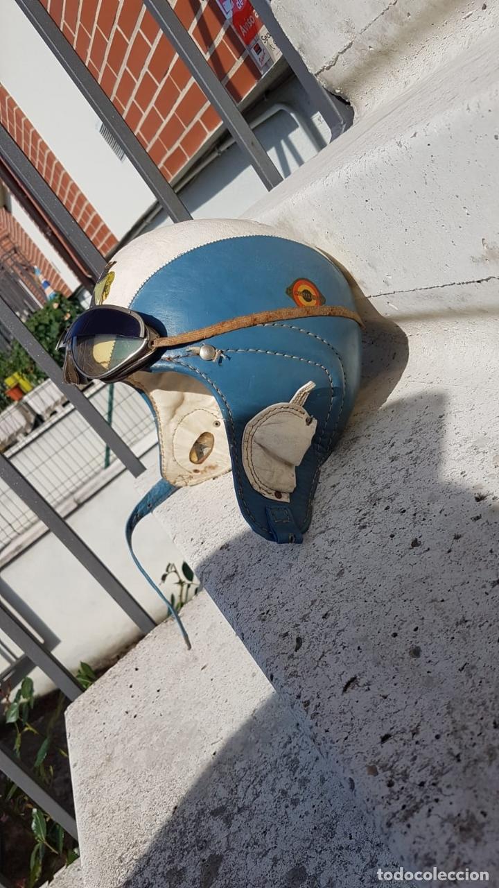 Antigüedades: CASCO ANTIGUO DE MOTO CON GAFAS AZUL Y BLANCO EXPECTACULARES,AÑOS 40-50 APROX - Foto 7 - 169657584