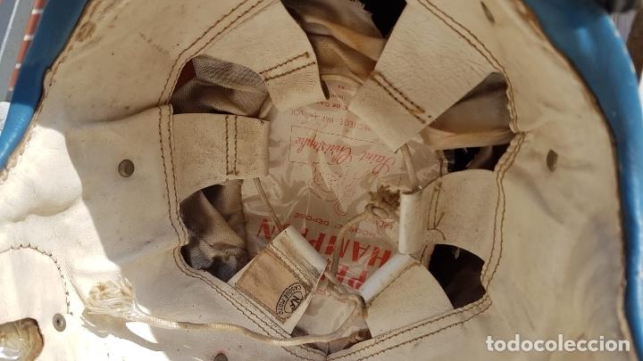 Antigüedades: CASCO ANTIGUO DE MOTO CON GAFAS AZUL Y BLANCO EXPECTACULARES,AÑOS 40-50 APROX - Foto 8 - 169657584