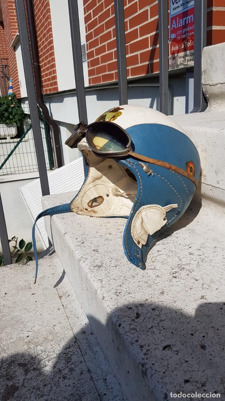 Antigüedades: CASCO ANTIGUO DE MOTO CON GAFAS AZUL Y BLANCO EXPECTACULARES,AÑOS 40-50 APROX - Foto 11 - 169657584