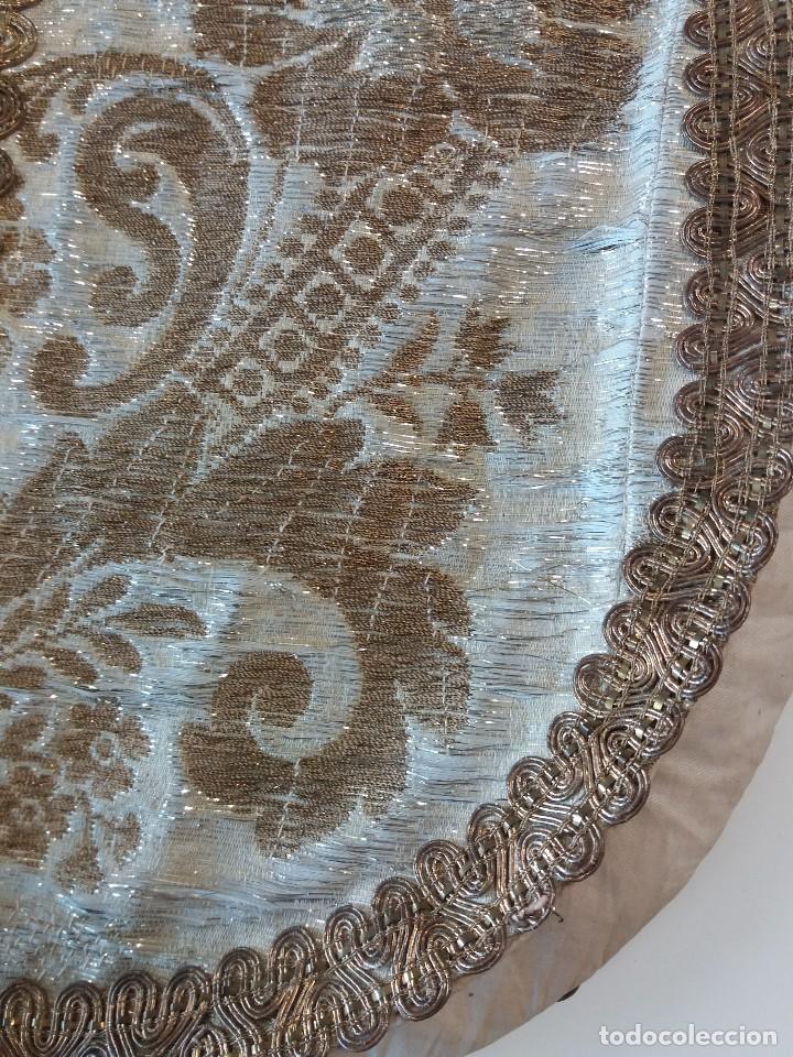 Antigüedades: Casulla brocado plata - Foto 2 - 169658068