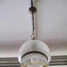 Antigüedades: LAMPARA DE TECHO - FAROL - TULIPA DE CRISTAL - DECORACIÓN CON LAGRIMAS DE CRISTALES - AÑOS 30-40. Lote 169674148