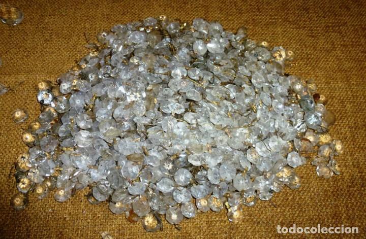 Antigüedades: Lote de 2.5 kilos de lagrimas para lampara. - Foto 5 - 169707900