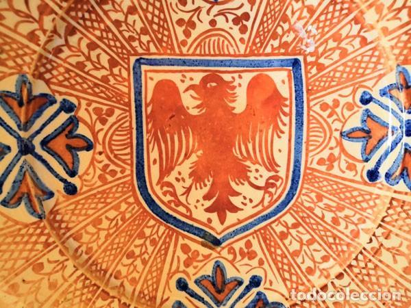 Antigüedades: ANTIGUO PLATO - CUENCO - LEBRILLO - DE CERÁMICA DE REFLEJOS METÁLICOS MANISES FIRMADO EN LA BASE - Foto 3 - 169720600