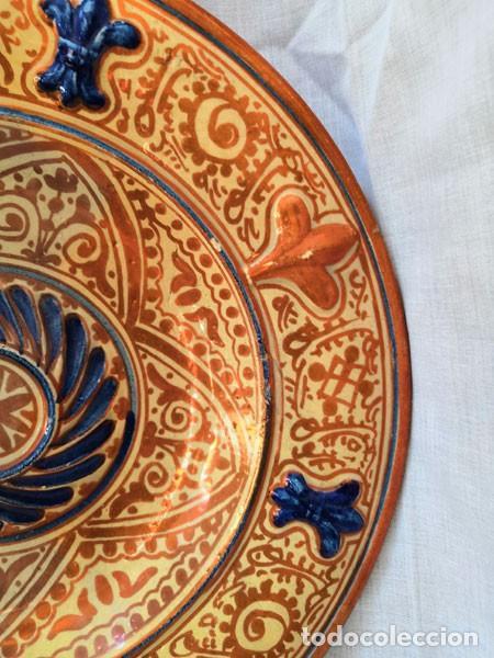 Antigüedades: ANTIGUO PLATO DE CERÁMICA DE REFLEJOS METÁLICOS MANISES - Foto 3 - 169721584