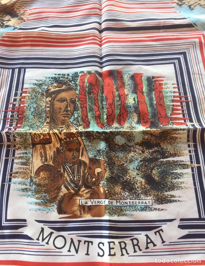 Antigüedades: Pañuelo Verge Virgen de Montserrat diferentes imágenes años cincuenta. 68x69cm - Foto 2 - 169730064