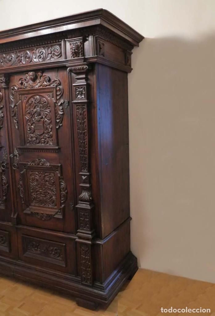 Antigüedades: Antiguo Armario Barroco Tallado. 1750 - 1780 - Foto 3 - 169752576