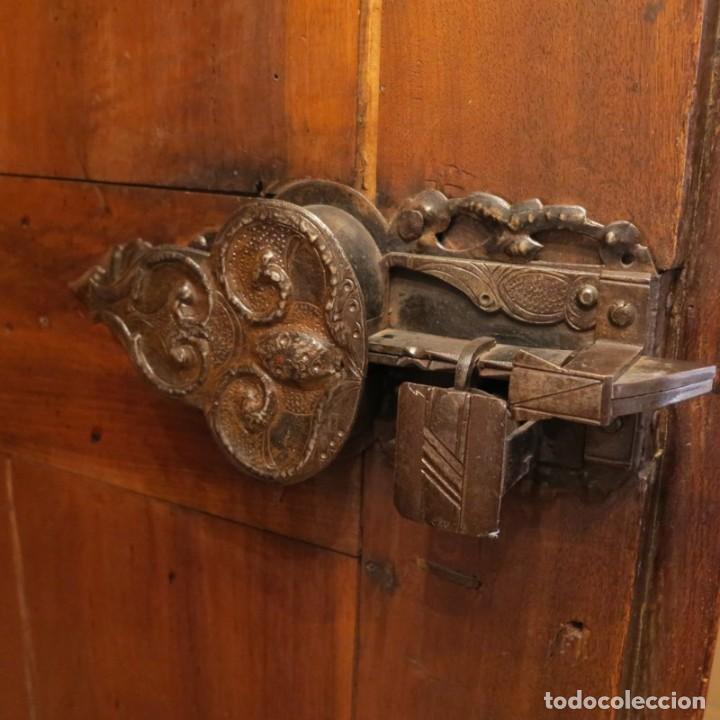 Antigüedades: Antiguo Armario Barroco Tallado. 1750 - 1780 - Foto 5 - 169752576
