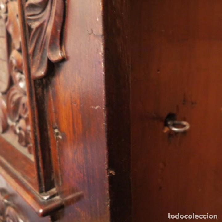 Antigüedades: Antiguo Armario Barroco Tallado. 1750 - 1780 - Foto 7 - 169752576
