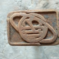 Antigüedades: SELLO HIERRO BJU. Lote 169789192