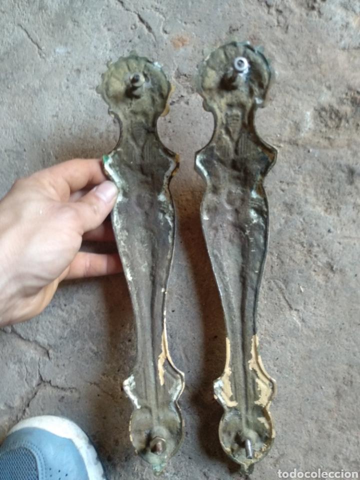 Antigüedades: Pareja tiradores laton - Foto 3 - 169789994
