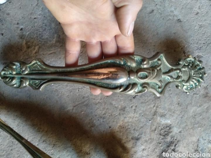Antigüedades: Pareja tiradores laton - Foto 5 - 169789994
