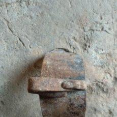 Antigüedades: ARRIMADOR FUEGO TREVEDE. Lote 169792608