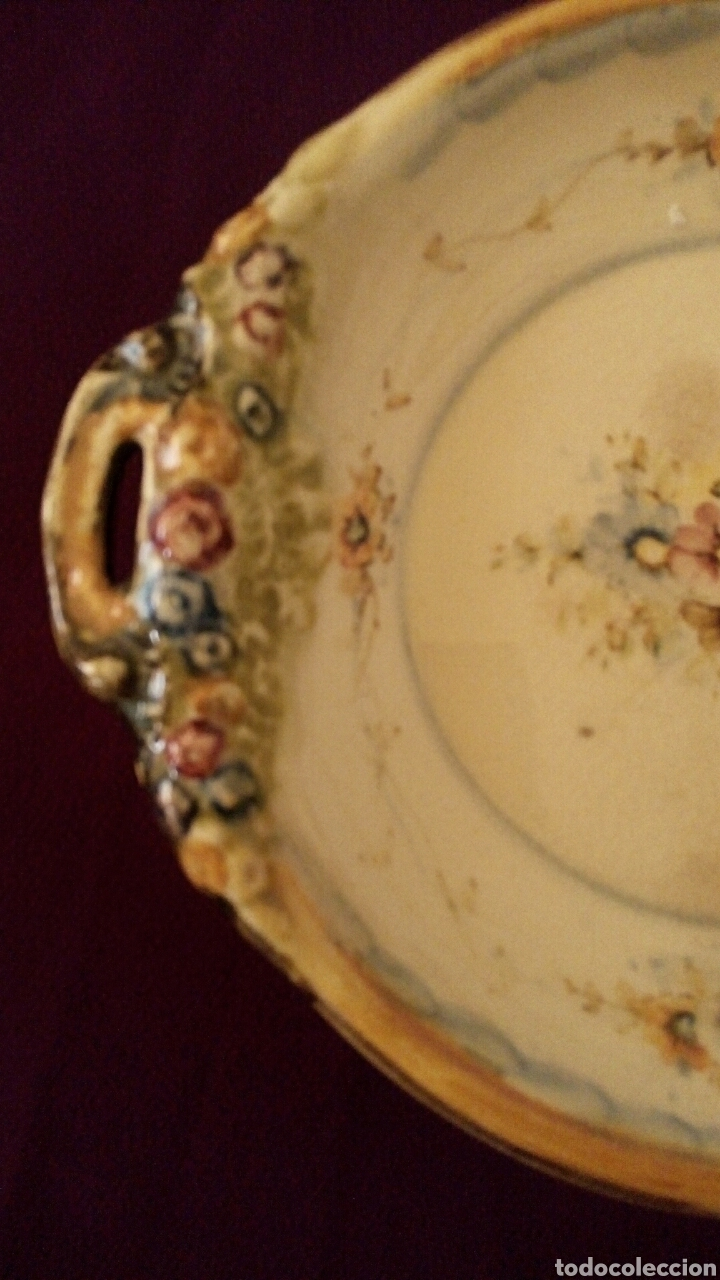 Antigüedades: Plato de ceramica. Antonio Peyro. Motivos florales. - Foto 2 - 169793548