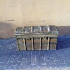 Antigüedades: ANTIGUO BAUL. PARA RESTAURAR. . Lote 169836308