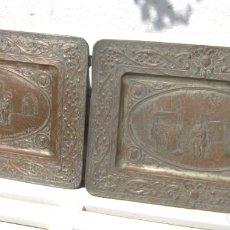 Antigüedades: S.XIX - PAREJA DE COBRES REPUJADOS ESCENAS CARLOS V - MONASTERIO DE YUSTE EXTREMADURA. Lote 169969328