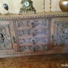 Antigüedades: IMPRESIONANTE APARADOR TALLAS MADERA. / SOLO RECOGIDA ZONA MADRID. Lote 169558004